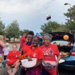2019-TT_SarahGray_WatermanGirls giving candy