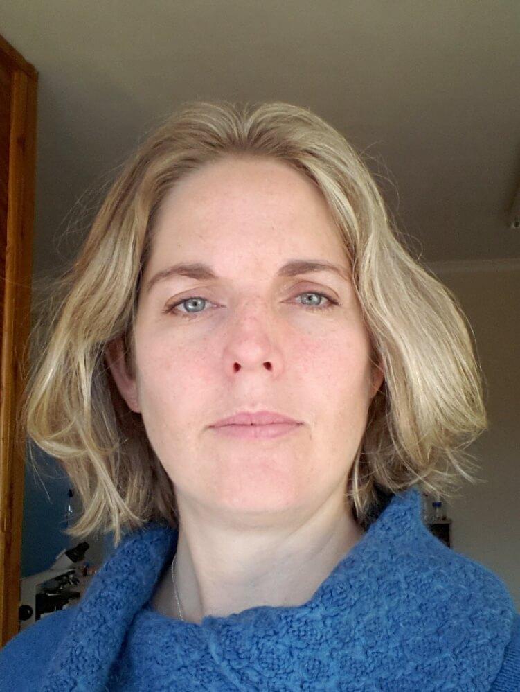 Dr Fiona Robertson