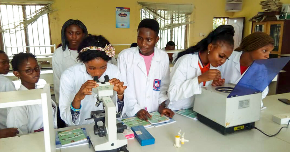2nd year students during practical session in Biological Sciences Laboratory