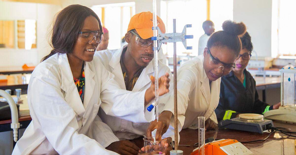 Chem tech students upto 1I2A9431