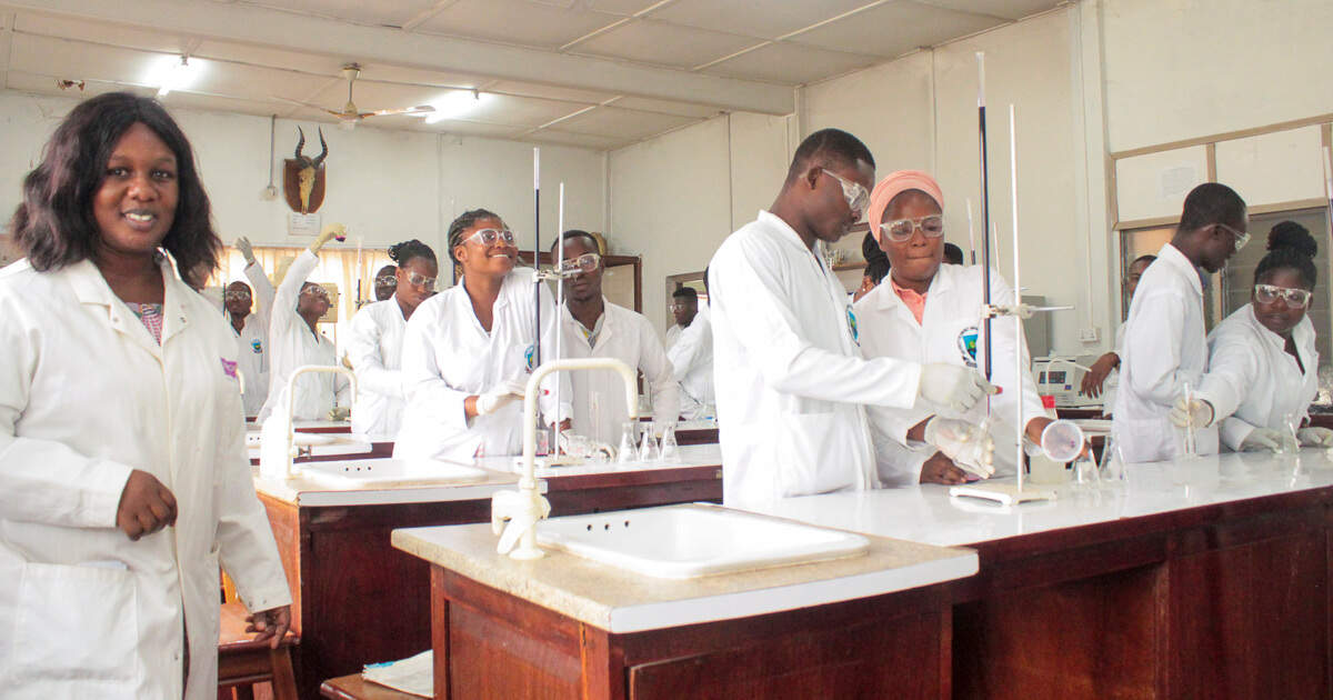 Dr. Selina Saah supervising ongoing lab section involving level 200 students