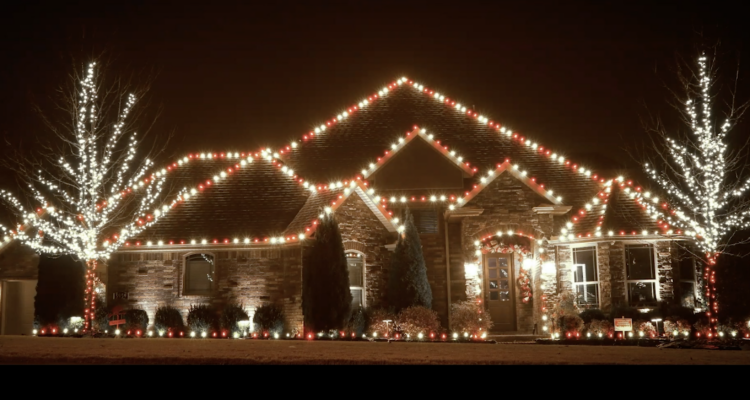 Residential Home In Fayetteville Arkansas With Christmas Lights