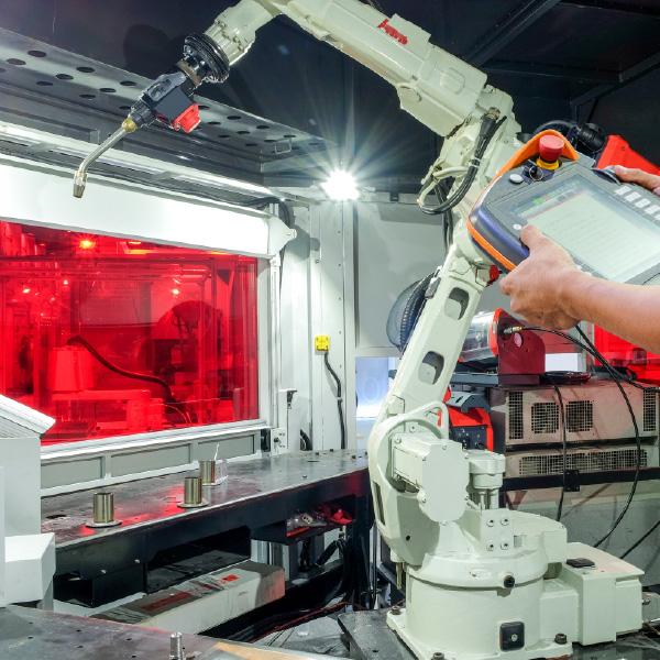 TSI & TSA provide training and support on robotic welding