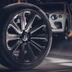 Bentley con rines de 22″ en…¡fibra de carbono!
