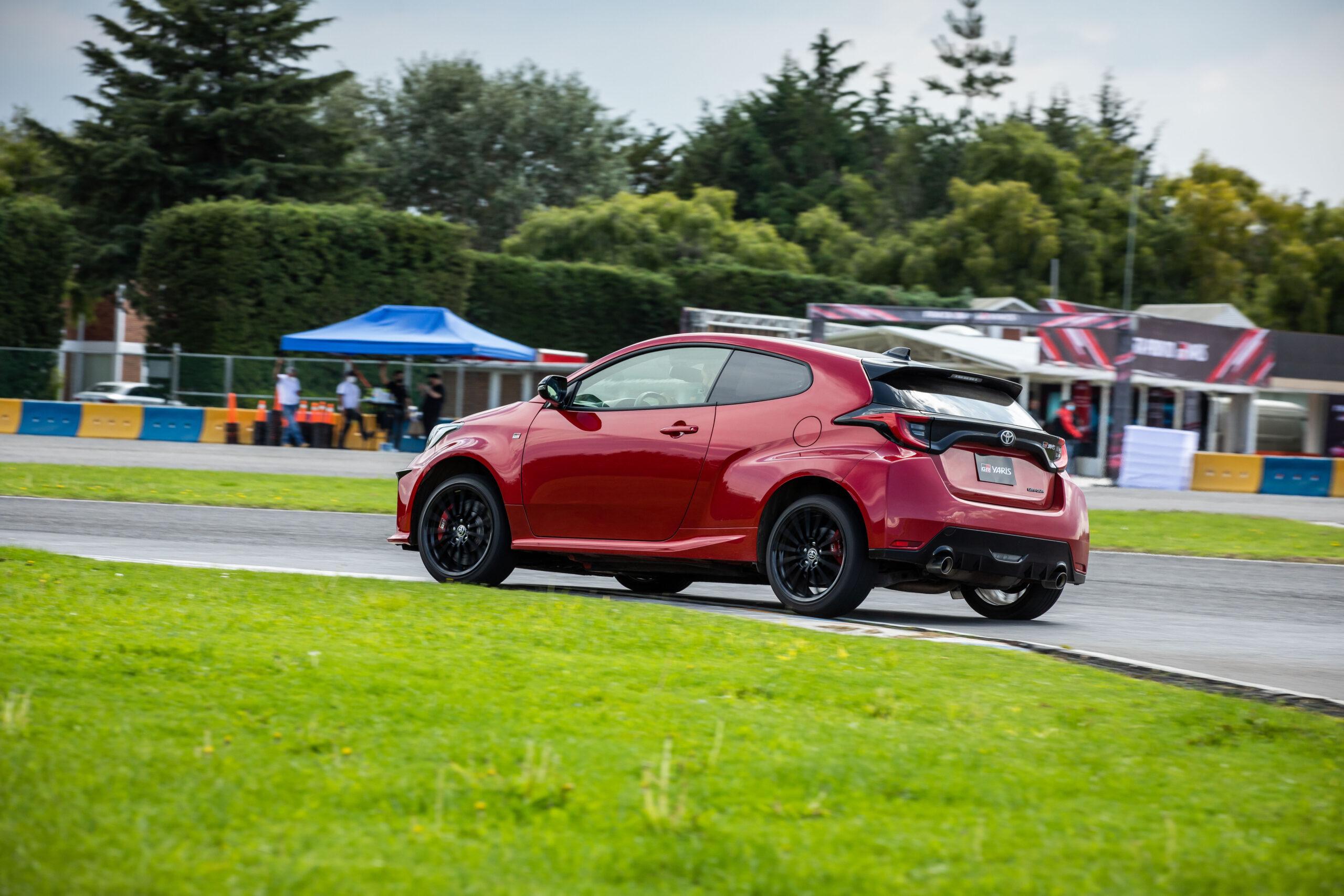 Toyota GR Yaris, el hot hatch que conquista asfalto, terracería y te contagia de Waku Doki