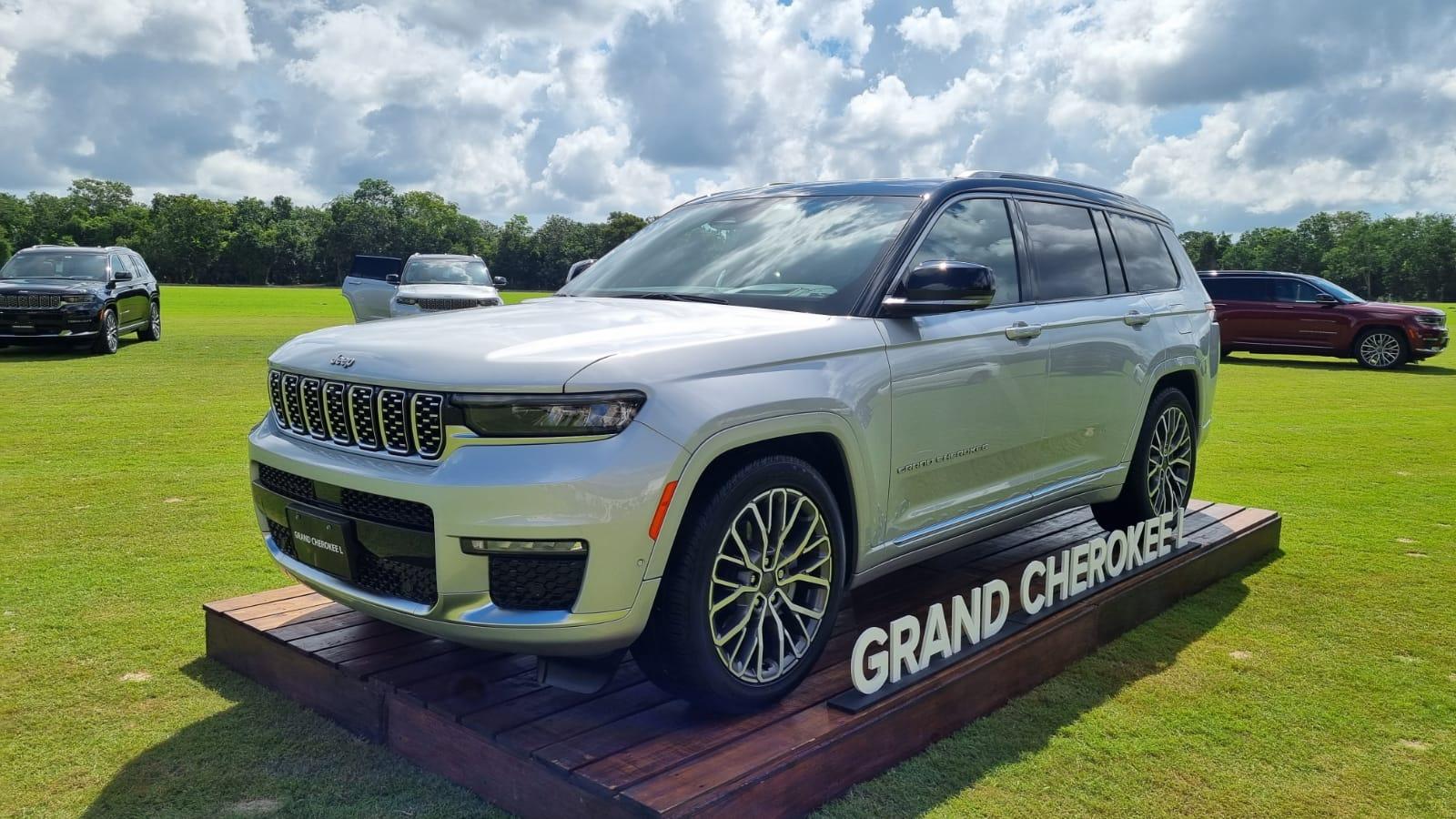 Grand Cherokee L 2021. Sofisticada y mejor que nunca; ahora con tres filas de asientos.