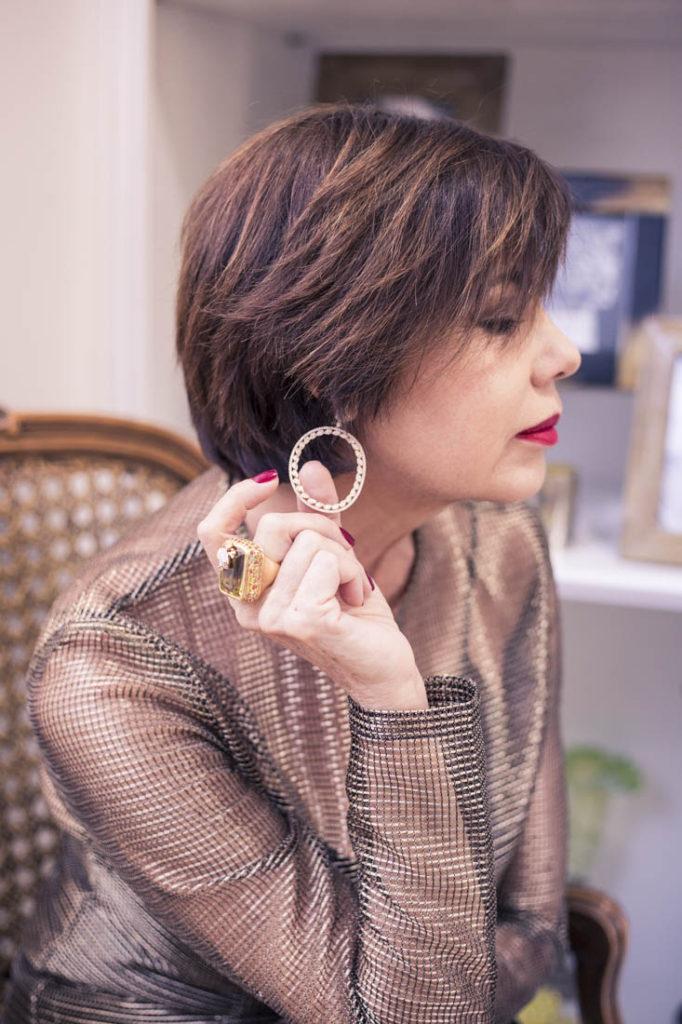 miami-fashion-lifestyle-blogger-chuky-reyna-wearing-sazingg-fine-jewelry-quiwi-house-clothing