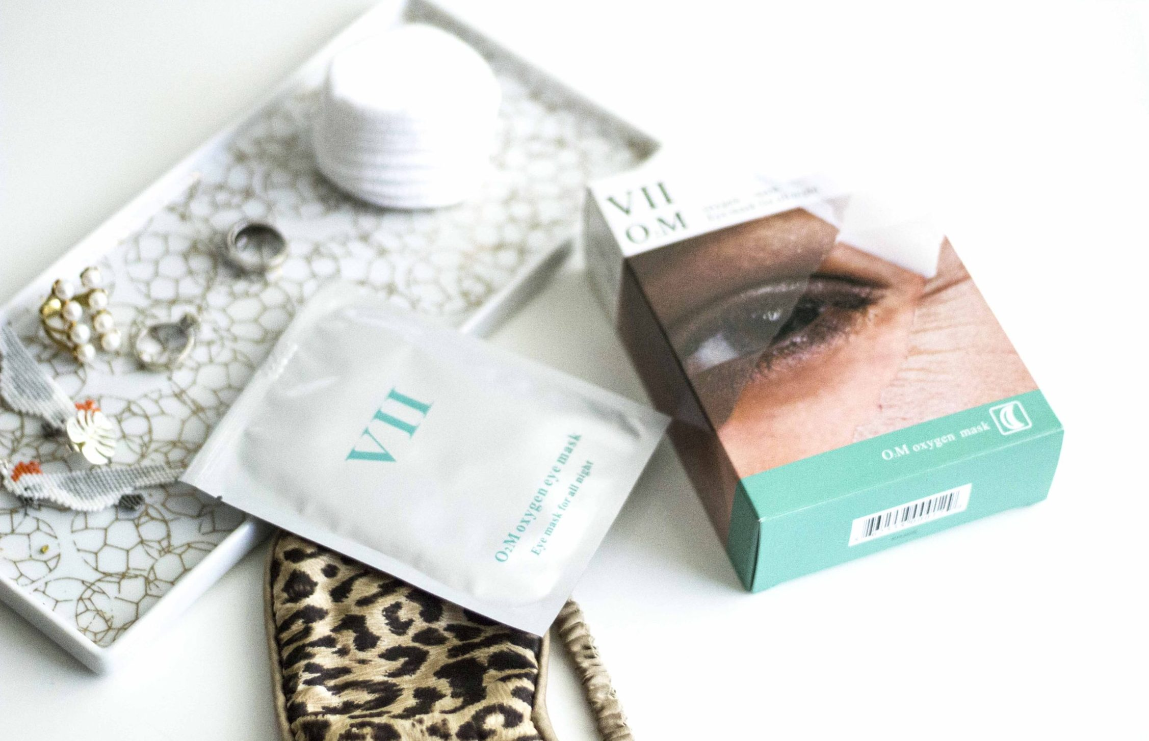 Wake up with no puffiness in you eye area!