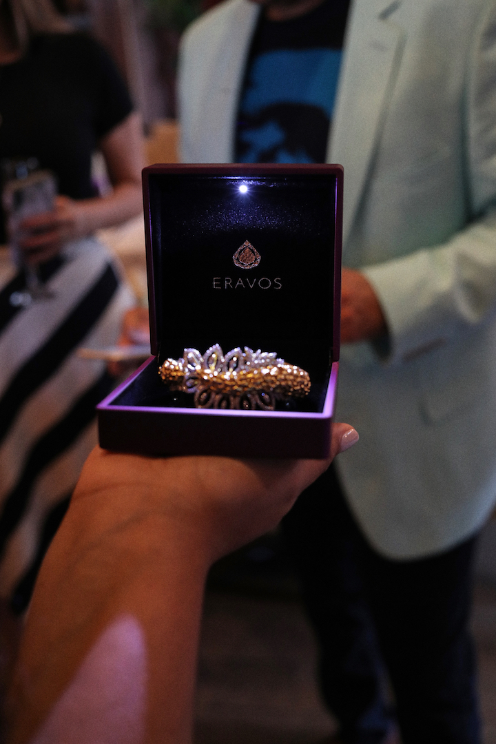 Eravos has diamonds for every woman, online!