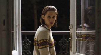 """Kristen Stewart Delivers a Powerful Performance in the High-Fashion Ghost Story """"Personal Shopper"""""""