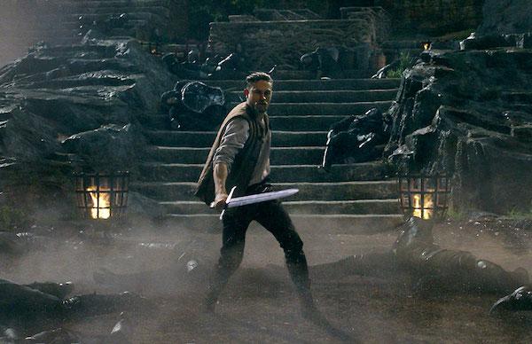 Charlie Hunnam King Arthur Trailer MovieSpoon.com