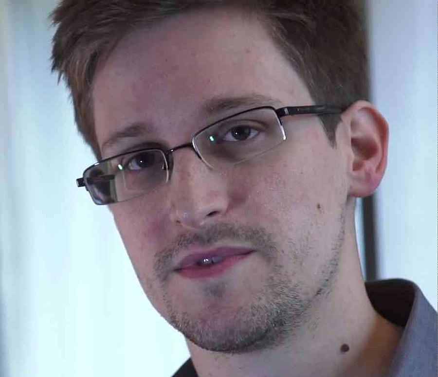 2-Edward-Snowden