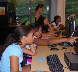 kids in a computer lab