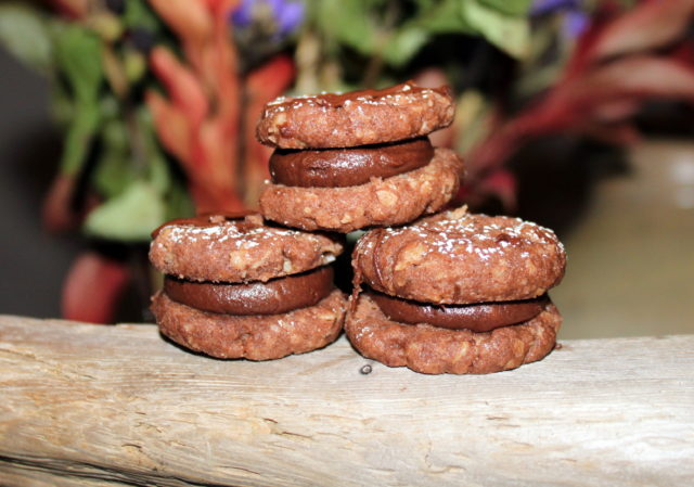 Chocolate and Oat Cookies with a Creamy Filling | urbnspice.com