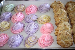Easter Cookie Fun with Colourful Egg-Shaped Meringues and Italian Almond Macaroons | urbnspice.com