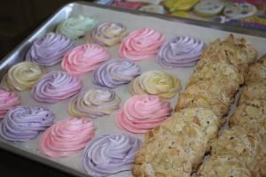 Gluten Free Meringues and Italian Almond Macaroons | urbnspice.com