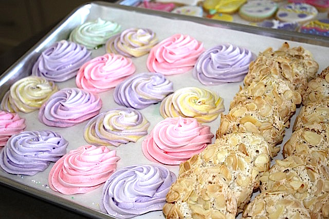 Colourful Meringues and Italian Almond Macaroons | urbnspice.com