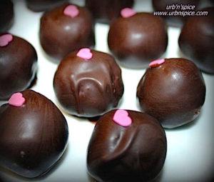 Cake Pops or Crumb Truffles | urbnspice.com