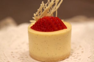 White Chocolate Mini Cheesecakes   urbnspice.com