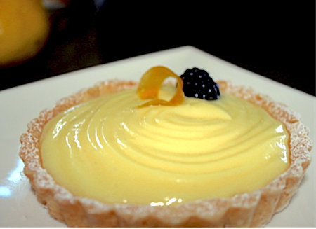 White Chocolate and Lemon Curd Tart | urbnspice.com