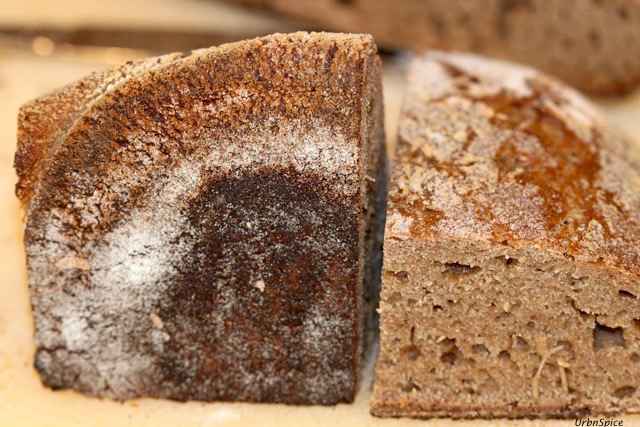 Crunchy Spelt Sourdough Crust is the tastiest most flavourful crust | urbnspice.com