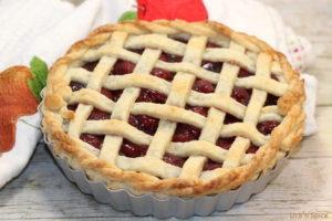 Sour (Tart) Cherry Pie | urbnspice.com