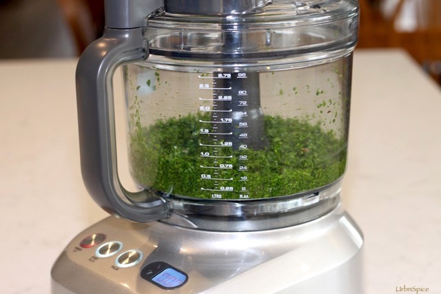 1 lb of Power Greens make 3 cups of ground greens | urbnspice.com