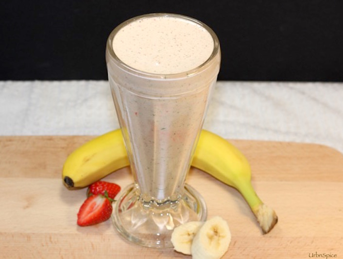 Power Shake is another way to use the Ground Power Greens | urbnspice.com