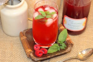 Old Fashioned Raspberry Cordial | urbnspice.com