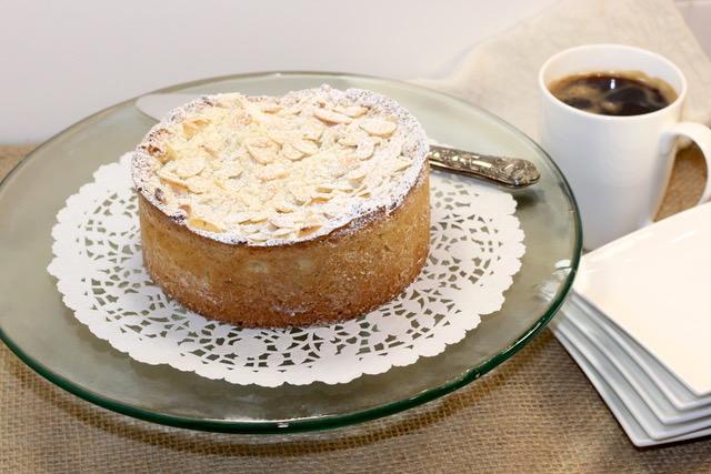 Raspberry Cream Cheese Coffee Cake | urbnspice.com