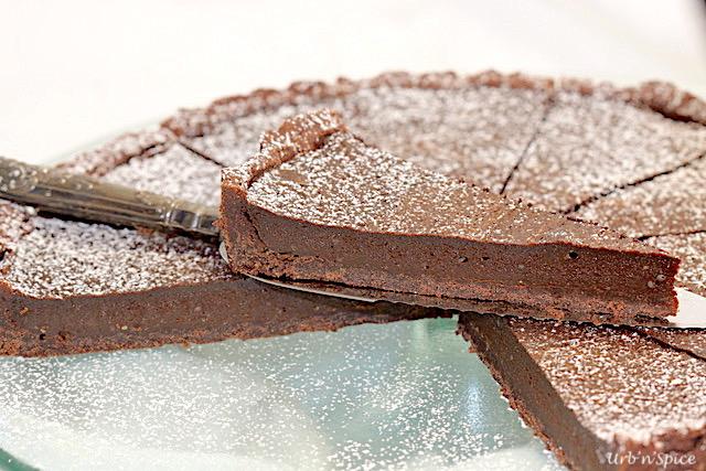 Easy Decadent Dark Chocolate Tart   urbnspice.com
