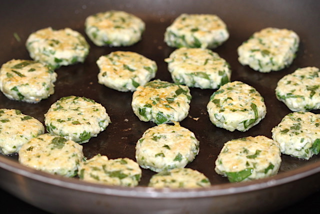 Chicken, Millet and Spinach Appetizers | urbnspice.com