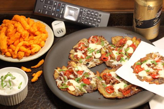 Mini Sized Smashed Potato Pizzas | urbnspice.com