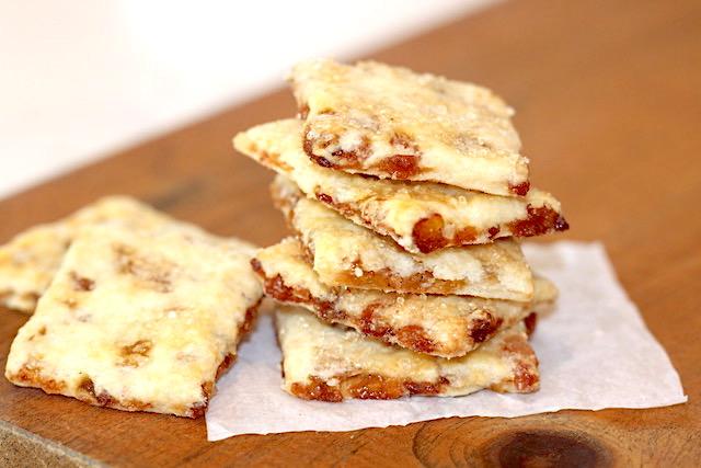 Golden Raisin Biscuit Cookies | urbnspice.com