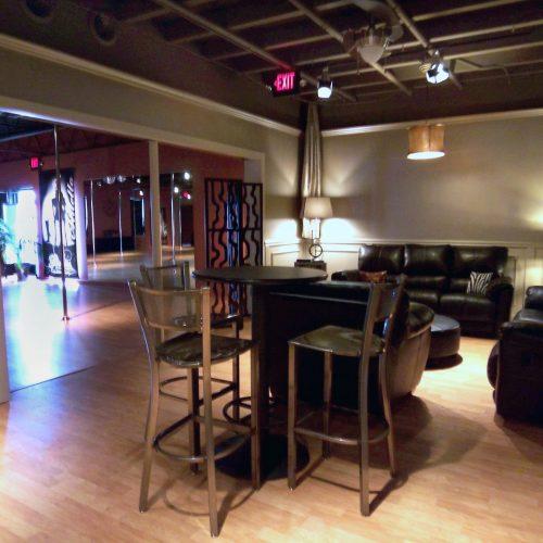 studio-tour-corkscrew-lounge-2