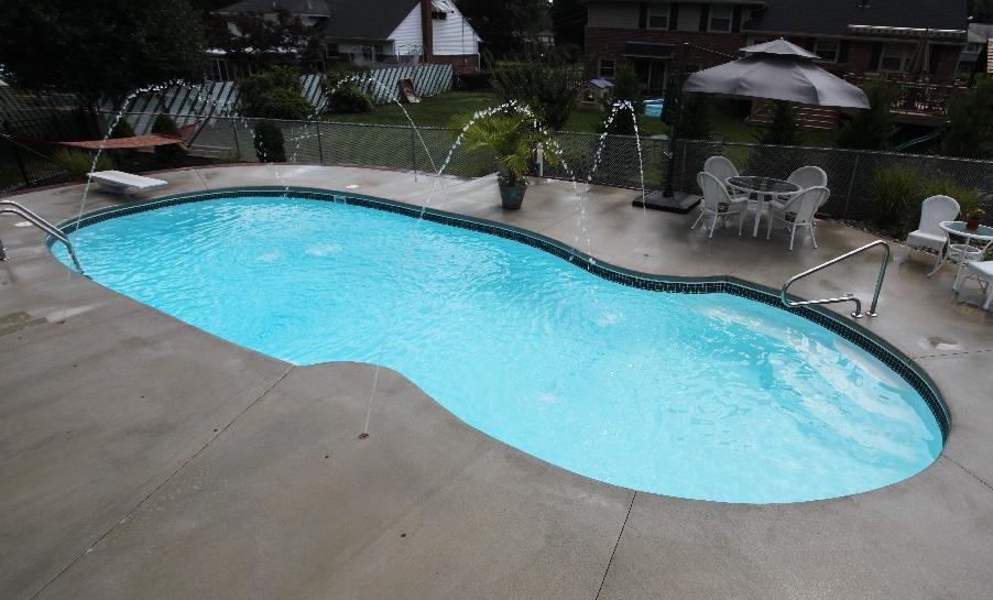 Saltwater Pool vs. Chlorine Pool