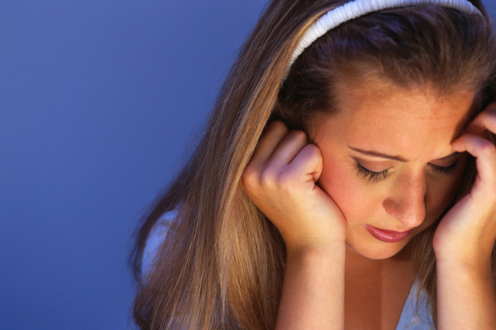 too-much-social-media-causes-low-self-esteem-in-young-girls-1024x682
