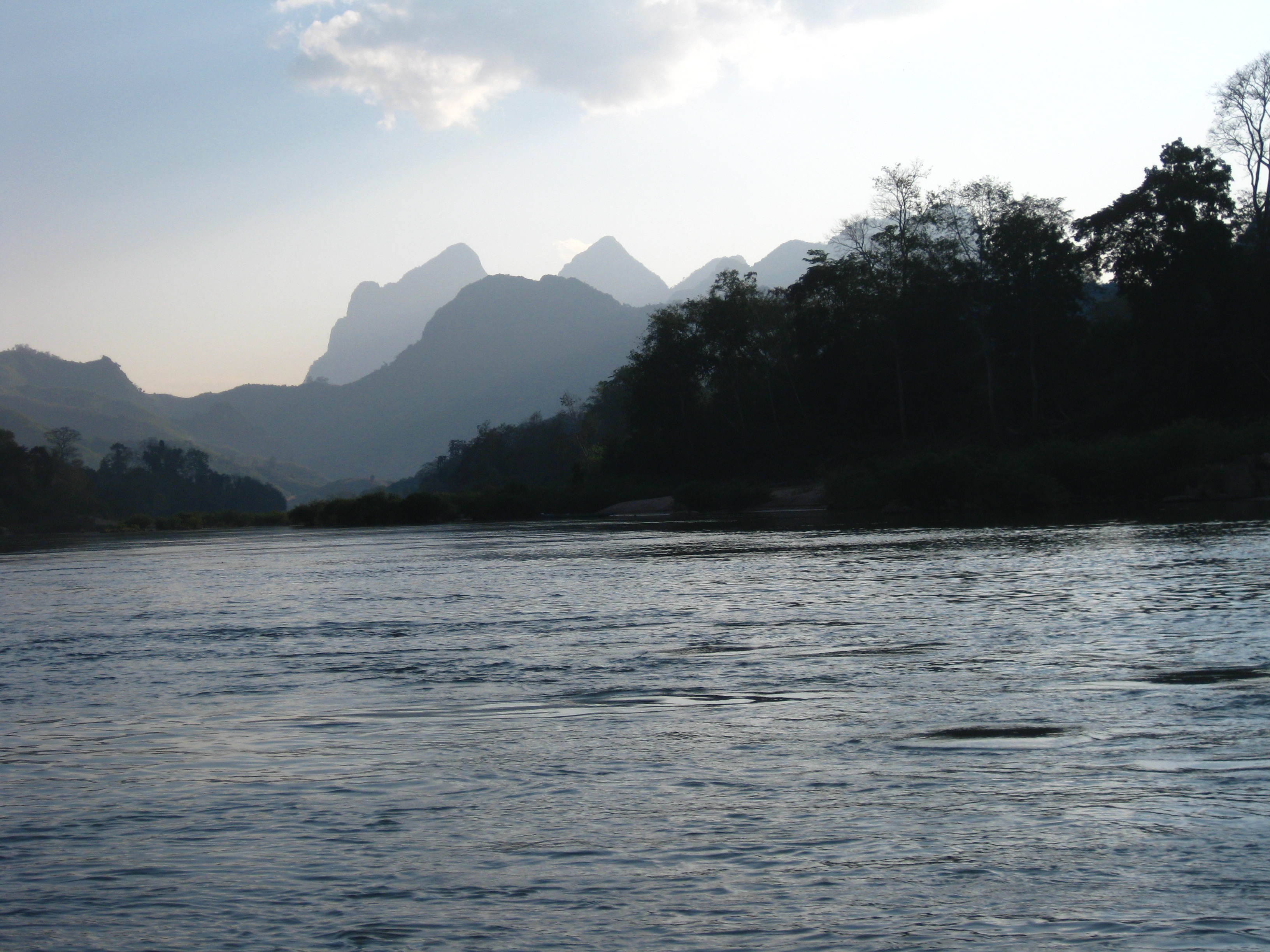 MMAP 2005 – A Day in the Life of an Archaeologist: A Weblog from Laos