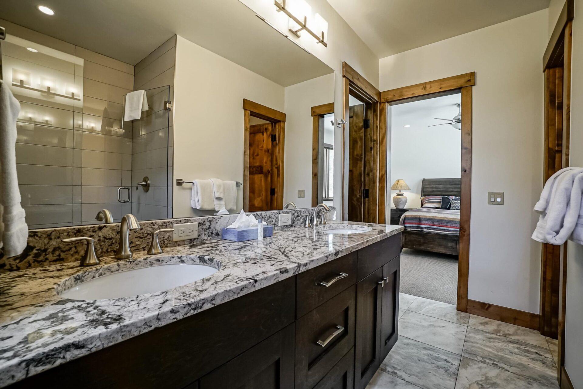 44.Downstairs_Bathroom_2