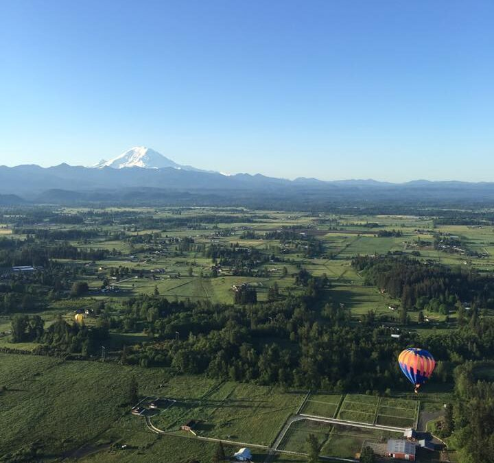 Celebrate Your Anniversary With A Hot Air Balloon Ride In Front Of Mt. Rainier