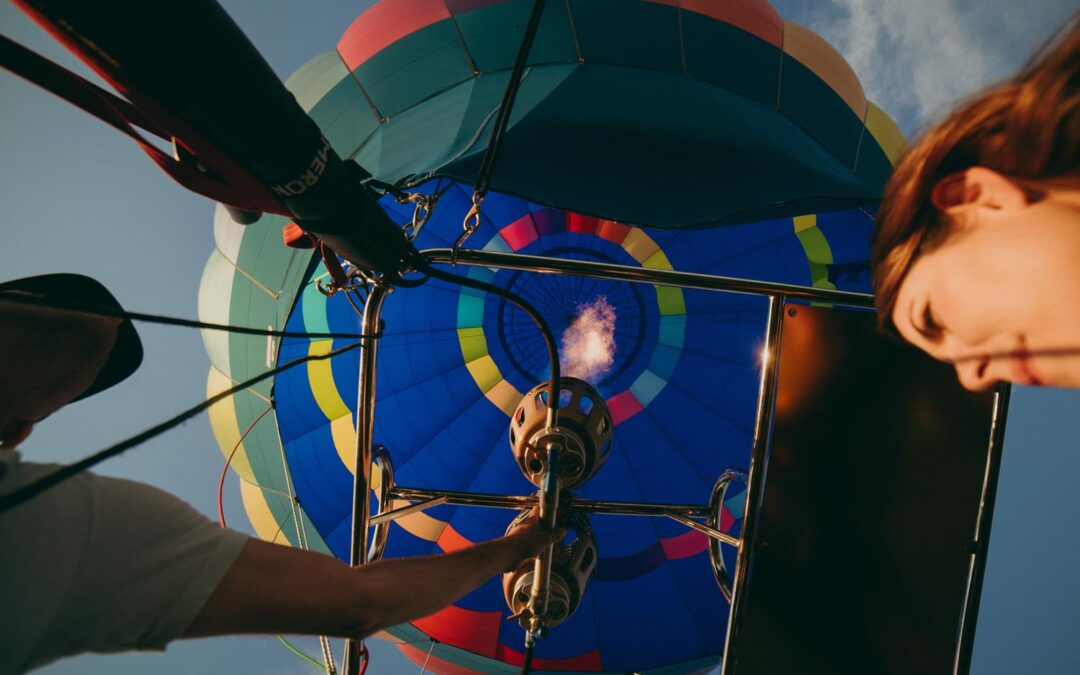 How to become a hot air balloon pilot