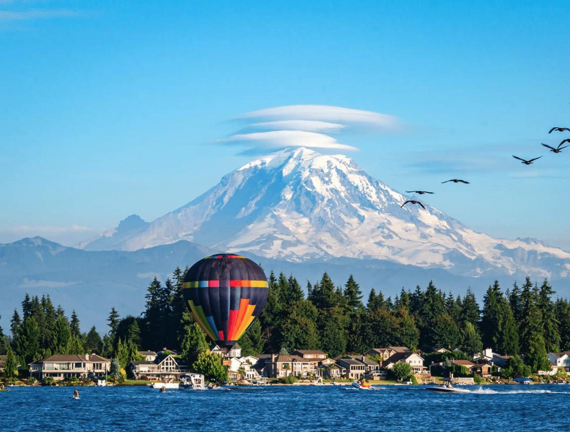 Kirkland hot air balloon in front of Mt. Rainier
