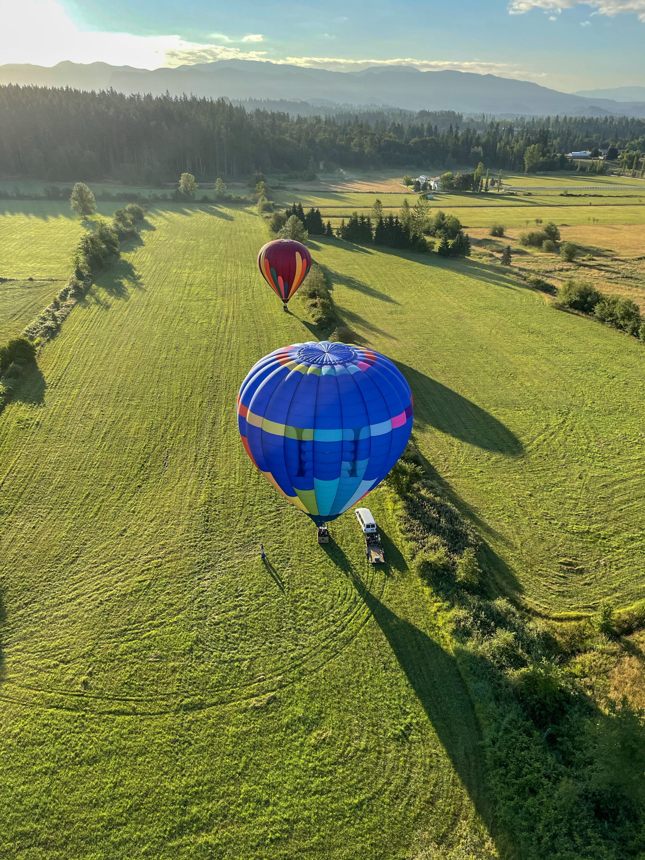 hot air balloon rides landing in calm wind