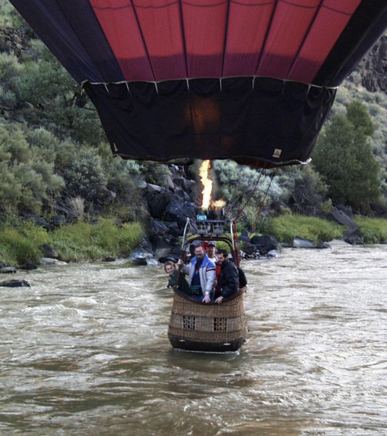 Hot air balloon splash and dash