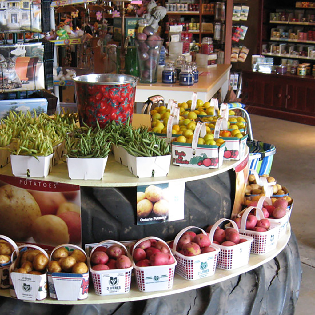 Local favourites Pingle's Farm Market, the Clarington Farmer's Market, world-famous Agloma Orchards & Gourmet Market, the Tallboots Farm, Gallery on the Farm, and Wilmot Orchards are just a sampling of the best of the area.