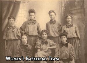An image of the women's basketball team
