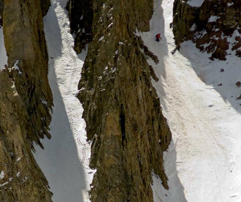 Couloir Skiing
