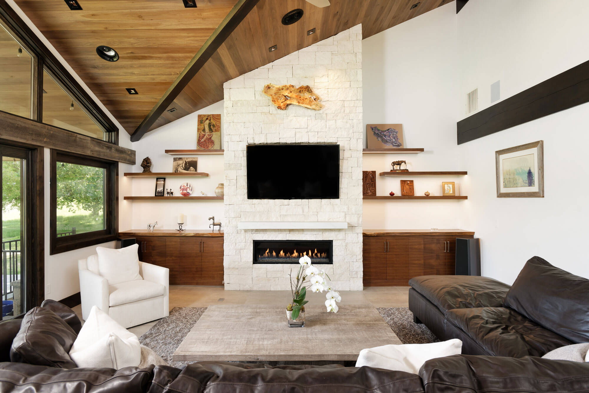 Spur Drive living area featuing fire place