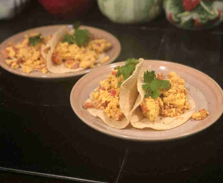4 tomato and egg tacos from recipe series Good & Cheap & Healthy