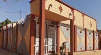 Jolie Maison Neuve sur deux voies de 15 metres et 10 metres